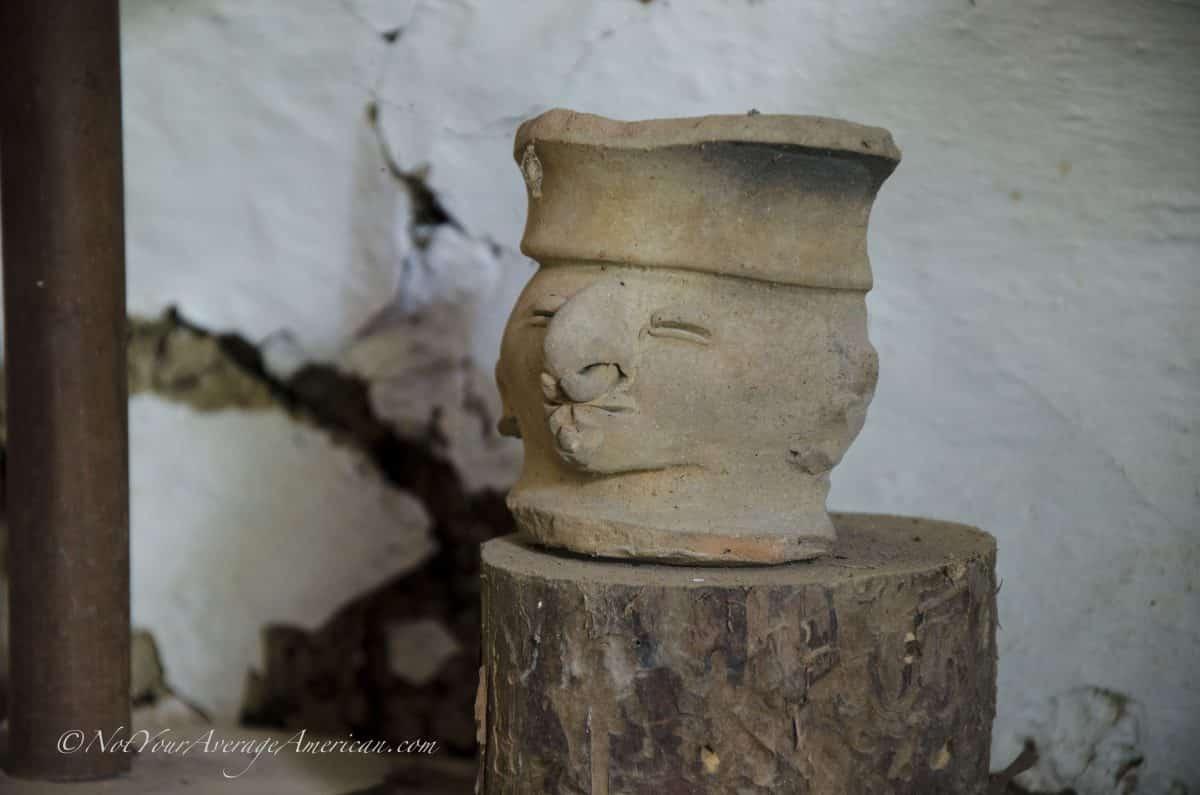 A face on a figurine, Chirije Museum, Manabi, Ecuador