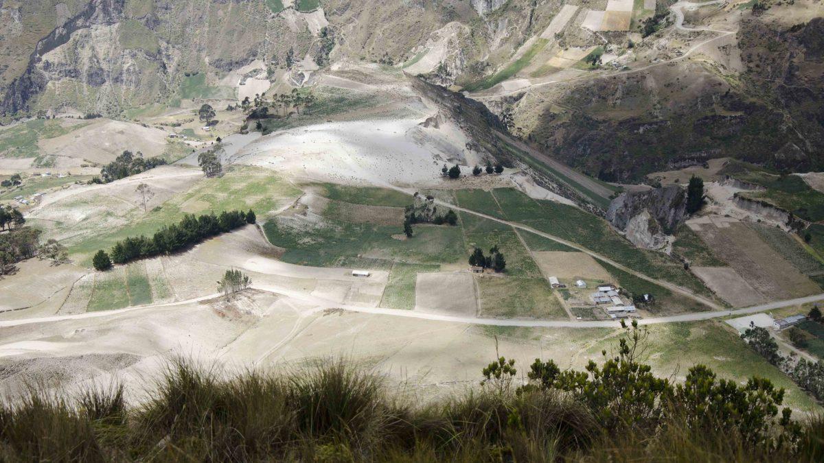 Quilotoa Crater Rim Trail, Ecuador