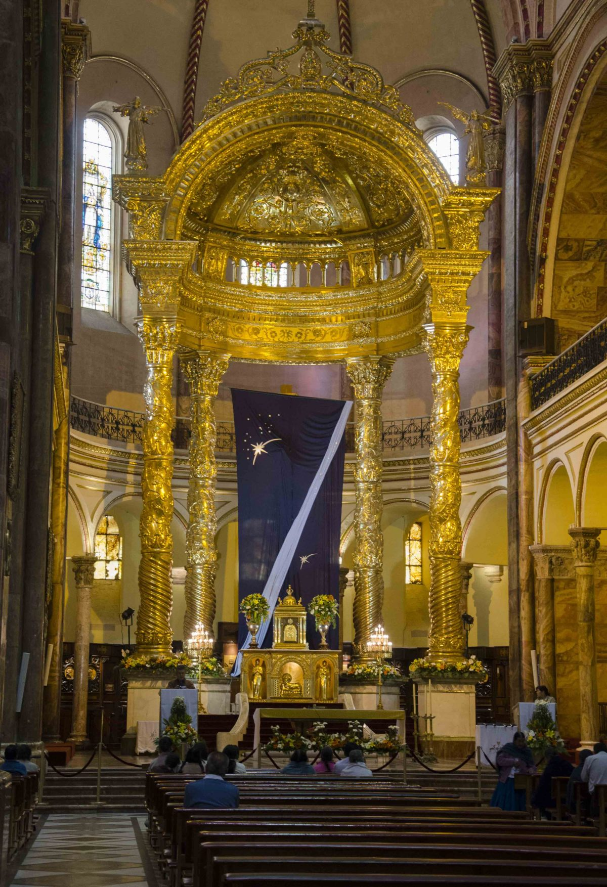 The Altar, the New Cathedral, Cuenca, Ecuador