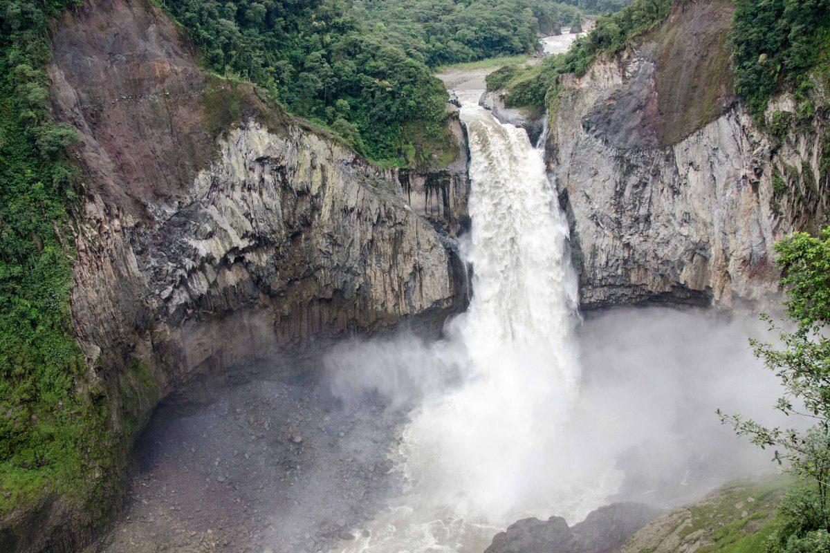 San Rafael Waterfall, Napo Province, Ecuador | ©Angela Drake / Ecuador Por Mis Ojos