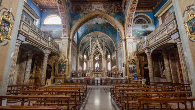Interior of Iglesia Santo Domingo, Quito, Ecuador