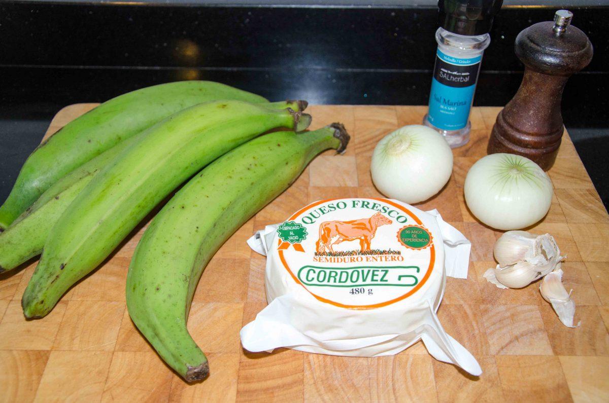 Ingredients for Bolón de Verde