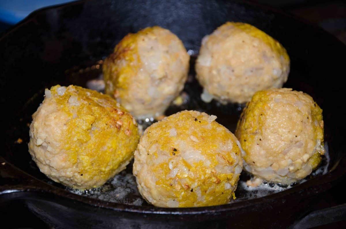 Cook until browned on all sides; recipe for Bolón de Verde