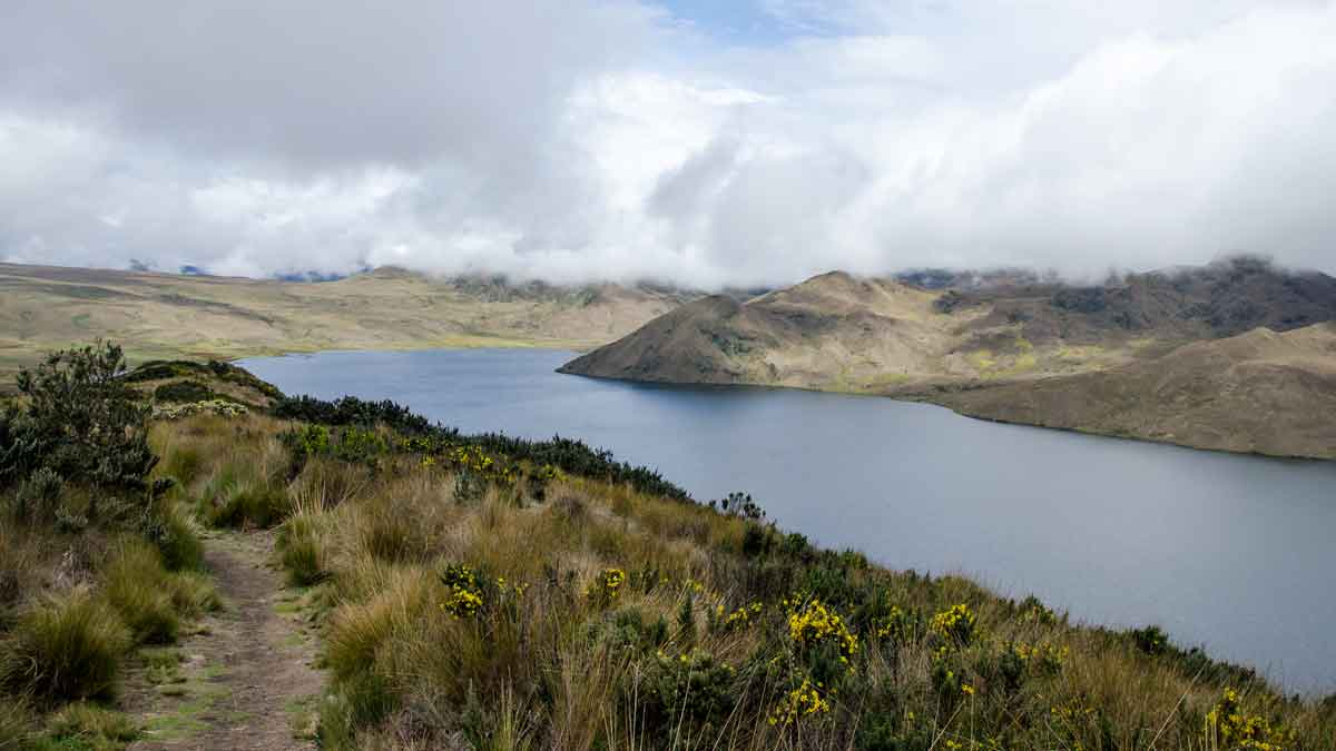 Laguna Mica on a Cloudy Day | ©Angela Drake