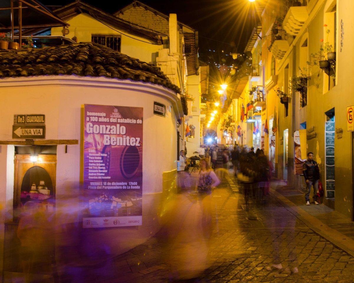An evening crowd in La Ronda, Historic Quito, Ecuador | © Angela Drake