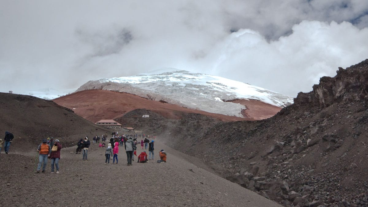 "Hiking ""up-the-gut"" to the Cotopaxi Refugio 
