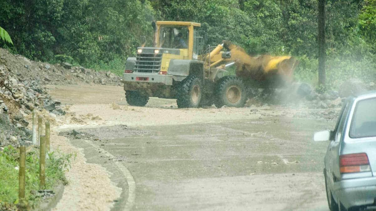 Clearing a minor landslide | ©Angela Drake