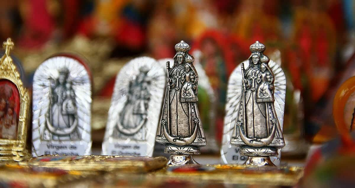 Replica of the Virgin of El Quinche | Wikicommons