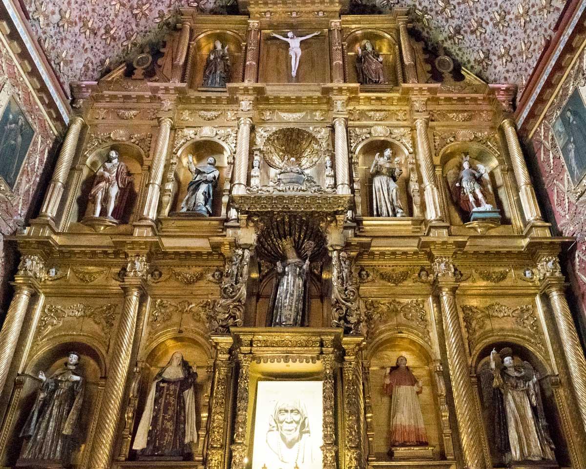 Altarpiece; Museo Santa Clara, Bogota, Colombia | ©Ernest Drake