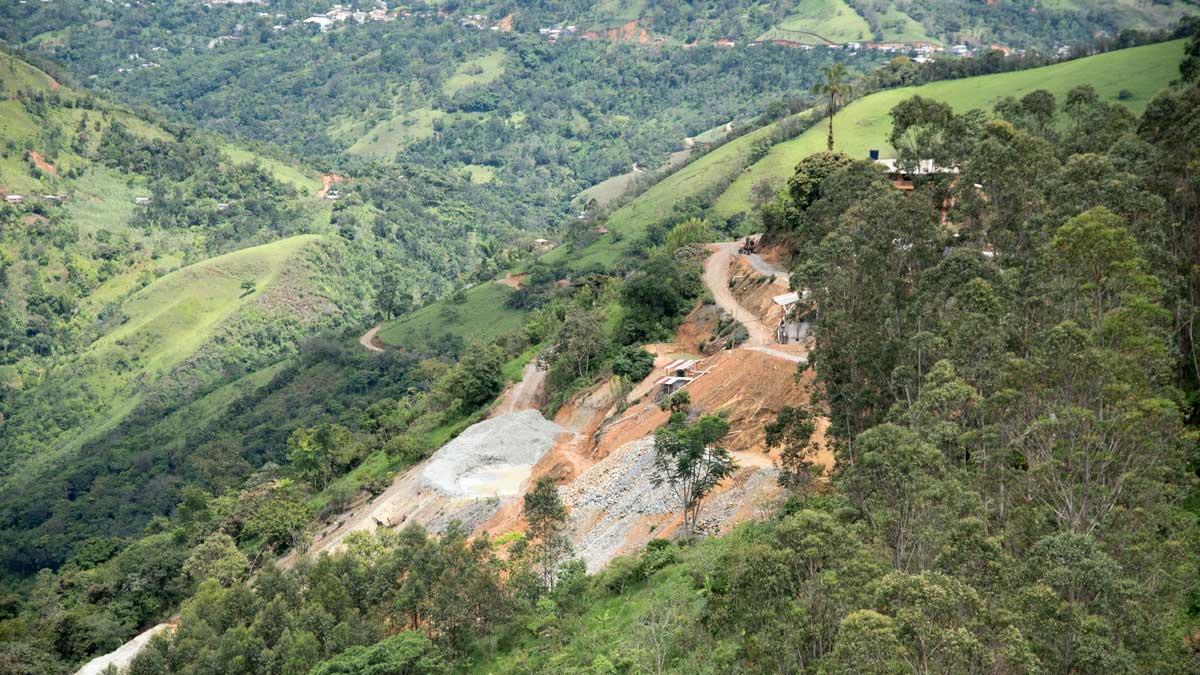 Gold mining near Huertas, Ecuador   ©Angela Drake