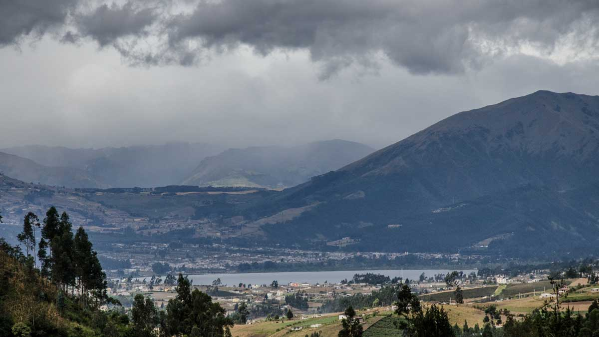 Imbabura and Lago San Pablo, Ecuador | ©Angela Drake