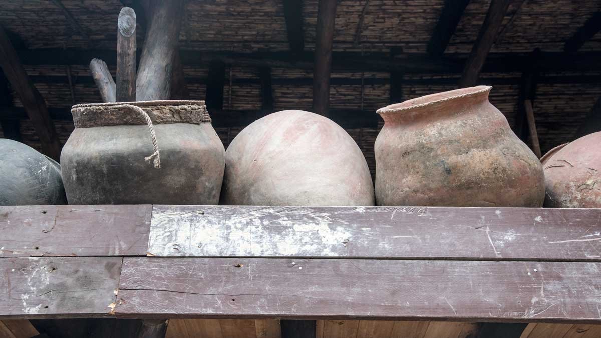 Pottery jars for holding fabric dyes; Casa de la Macana, Gualaceo, Ecuador | ©Angela Drake