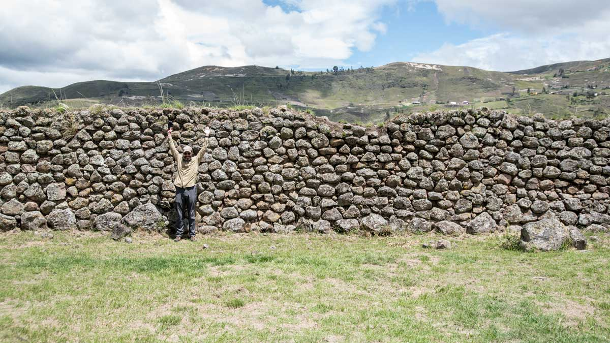 Scott and the Cañari Wall, Castillo de Duma, Chobshi, Sigsig, Ecuador | ©Angela Drake