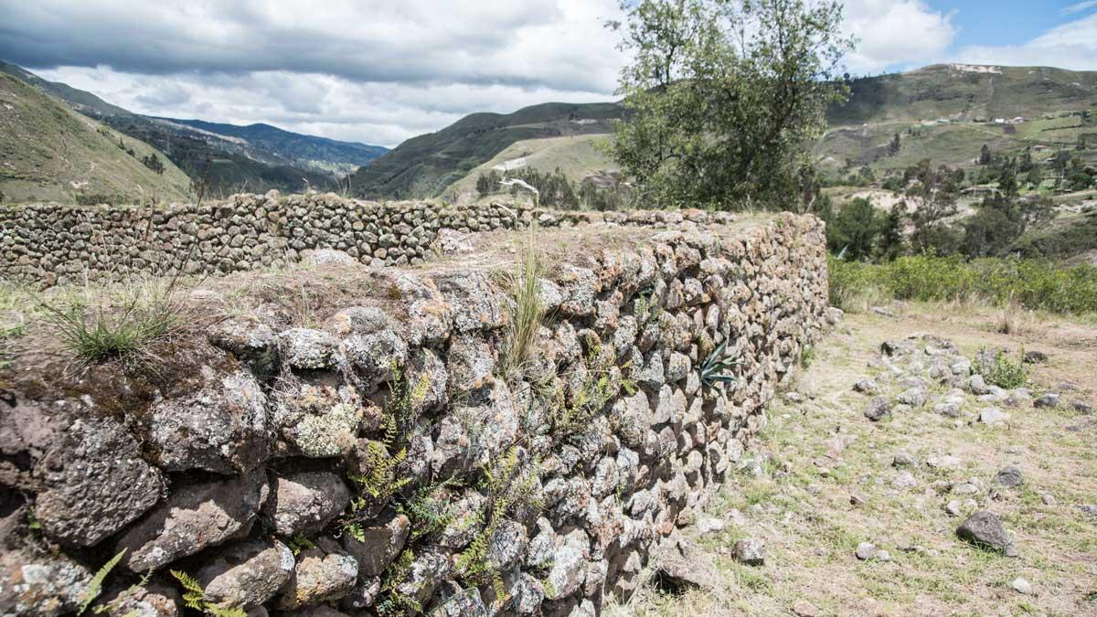 Close-up of Cañari Wall, Castillo de Duma, Chobshi, Sigsig, Ecuador | ©Angela Drake