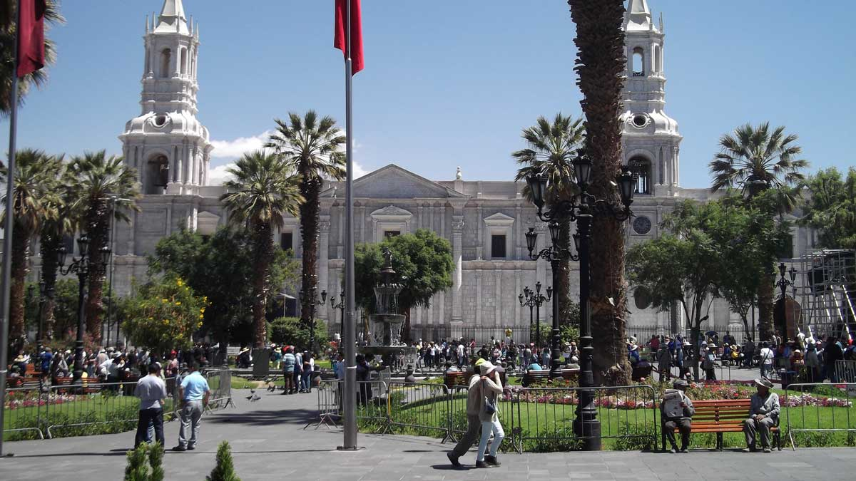 Plaza de Armas and the Basilica Cathedral of Arequipa, Peru | ©Eleanor Hughes