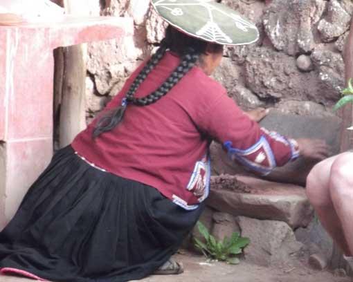 Grinding Clay, Raqchi, Peru | ©Eleanore Hughes