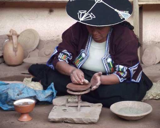 Molding Clay, Raqchi, Peru | ©Eleanore Hughes